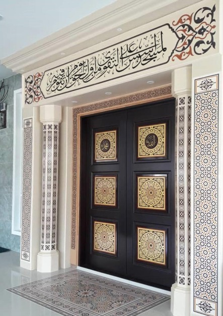 Mihrab masjid dan surau daripada ukiran seramik, tile, marble dan granite dengan hiasan seni khat dan zukhruf Islami